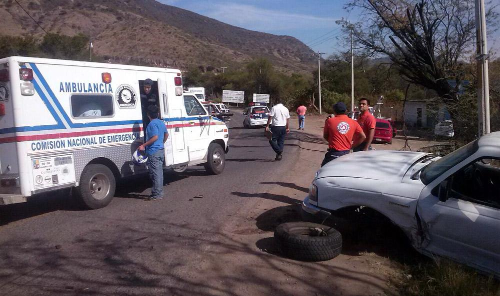 Accidente vehicular deja 5 lesionados - e-oaxaca Periódico Digital de Oaxaca