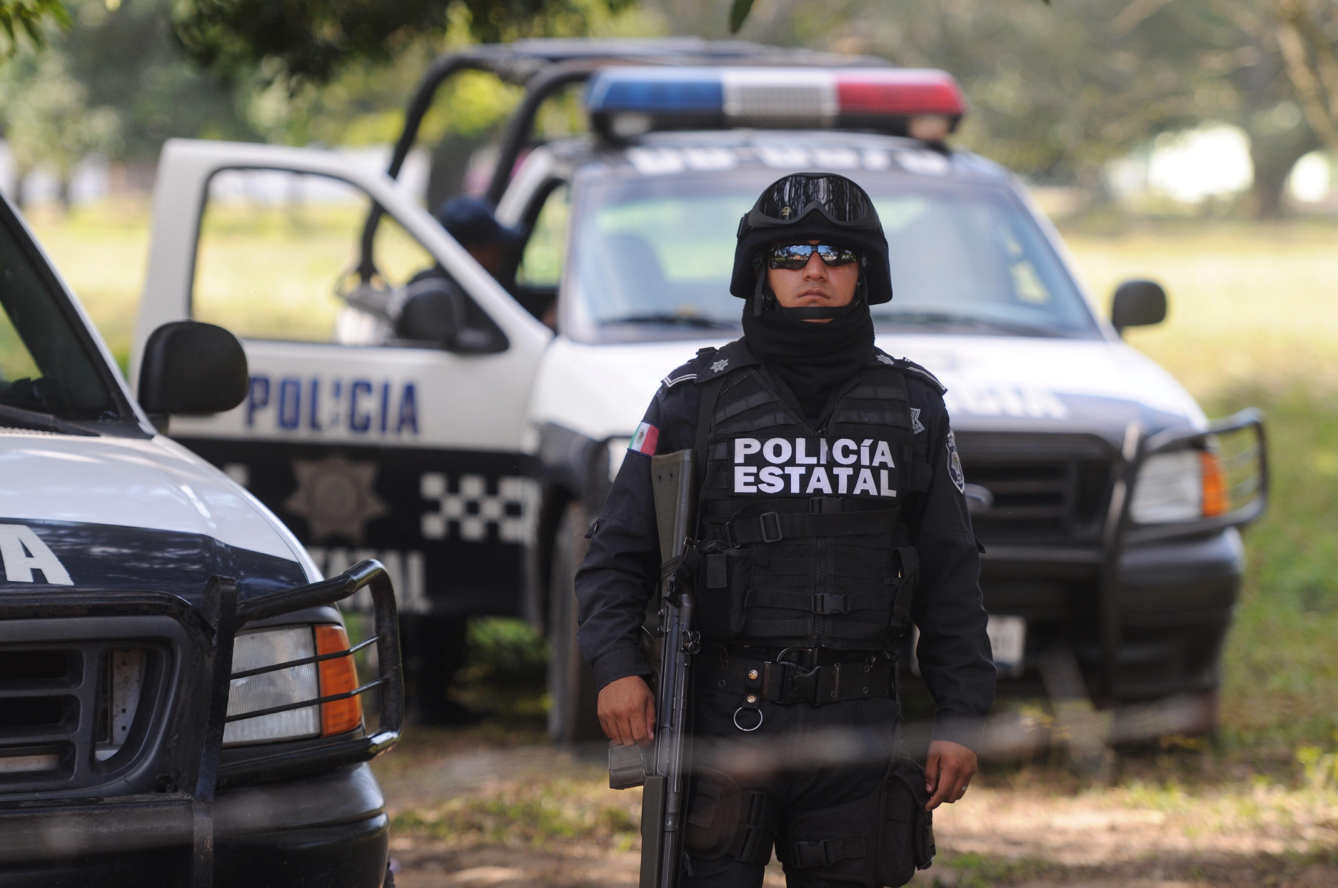 Policías estatales son acusados de saquear rancho en Oaxaca