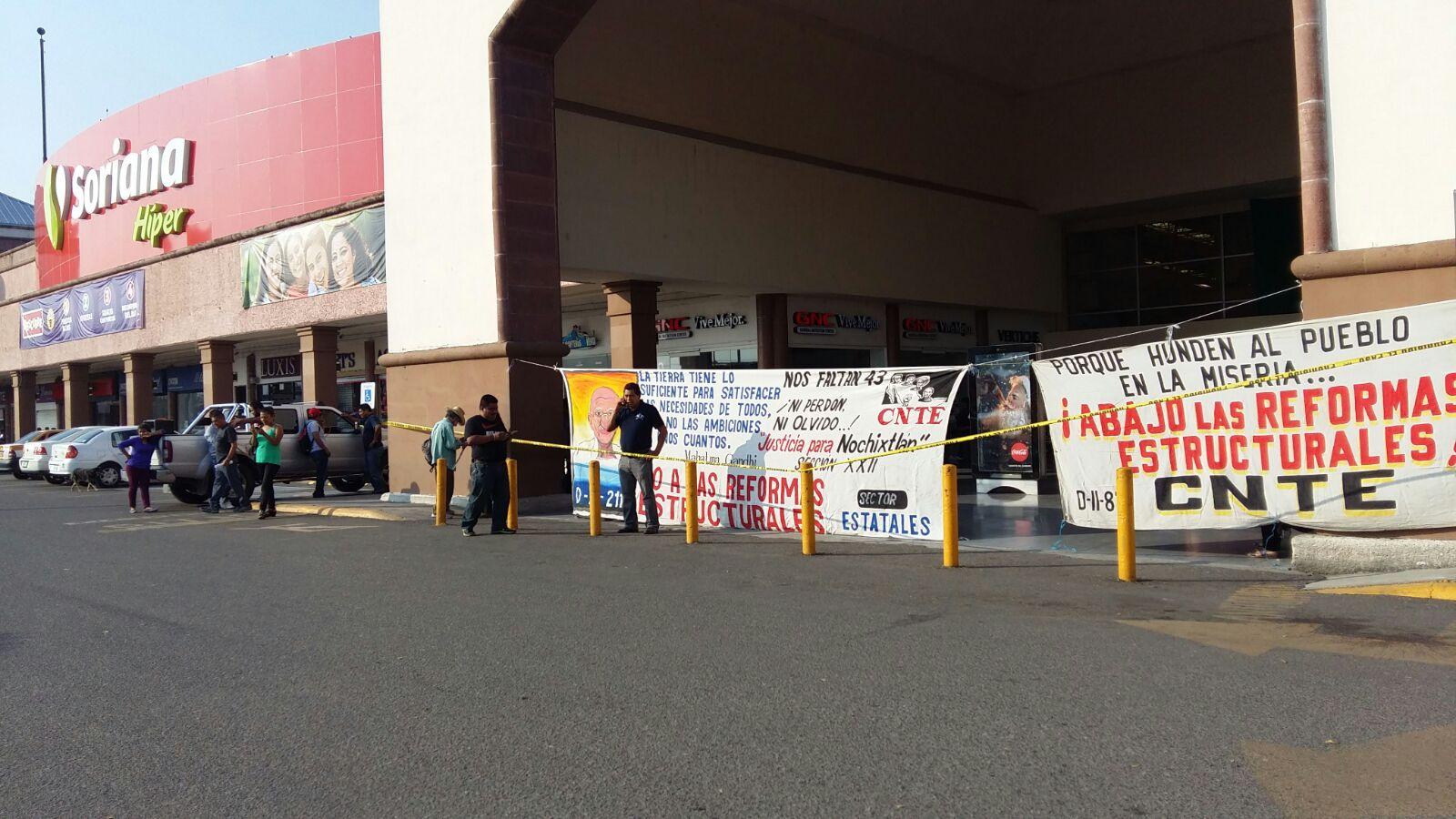 CNTE provoca incendios para impedir clases en Oaxaca