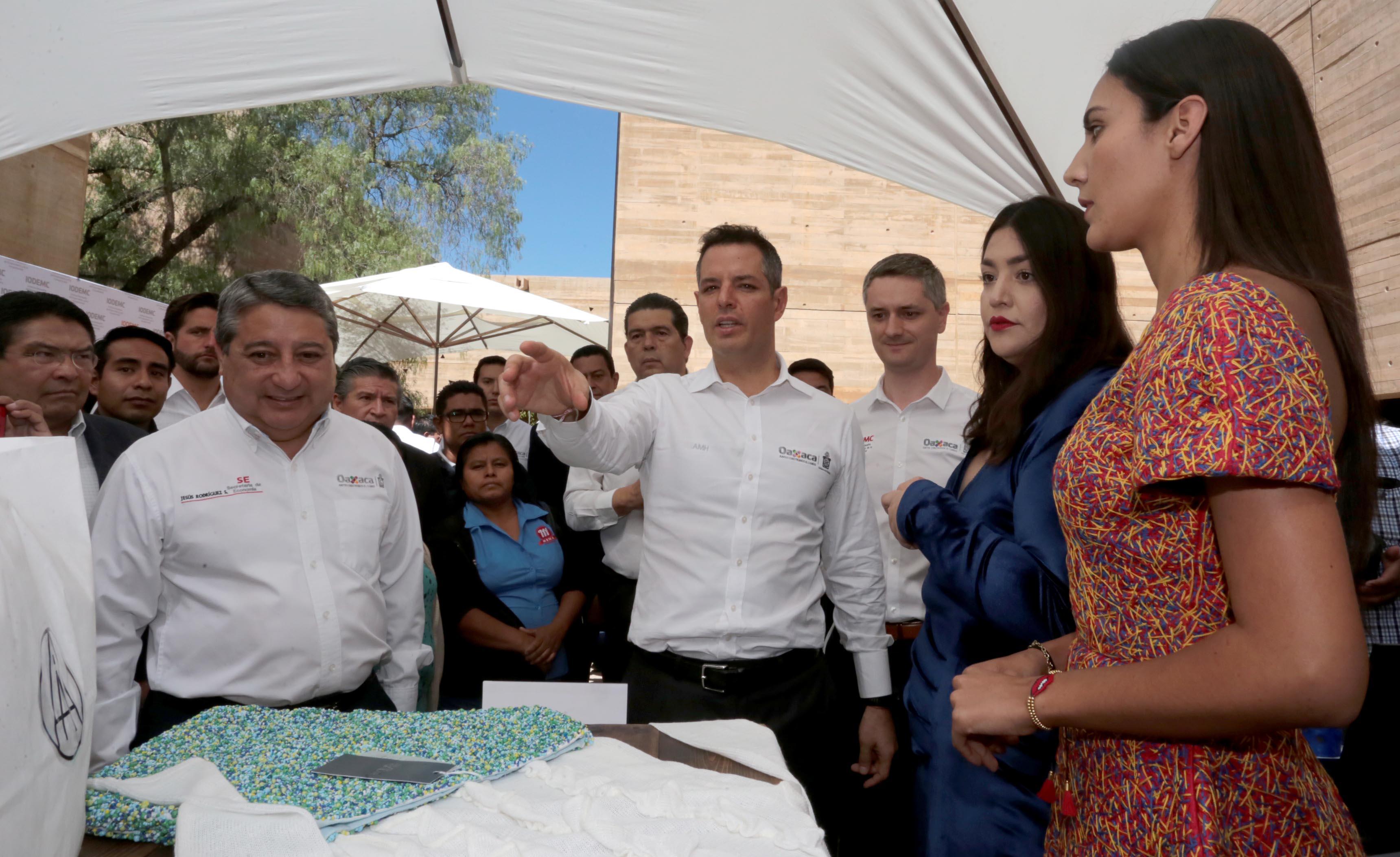 Se impulsarán iniciativas ciudadanas para regular marchas y plantones: Murat