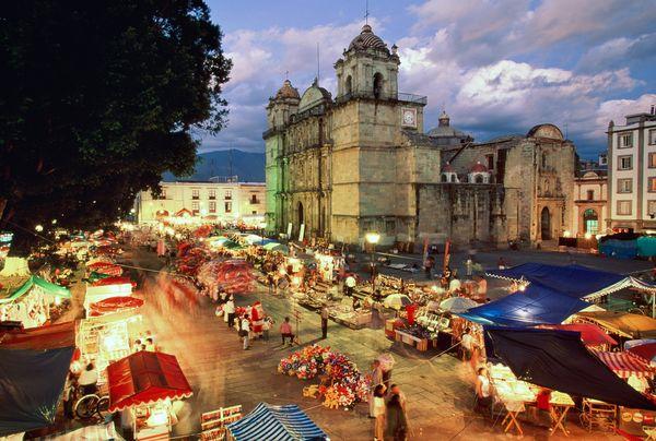 oaxaca night 0 Lugares de Turismo Cultural en México