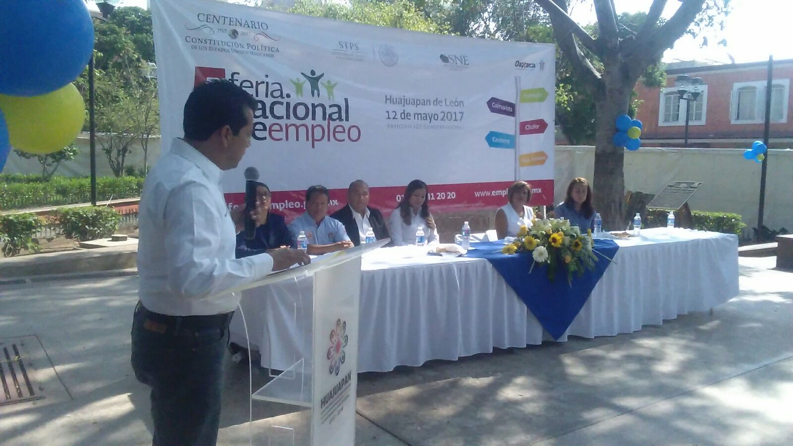 Ofertan mil 660 vacantes en feria del empleo en Morelia