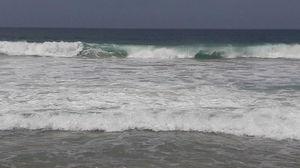 Mar de fondo provoca daños materiales en Puerto Escondido