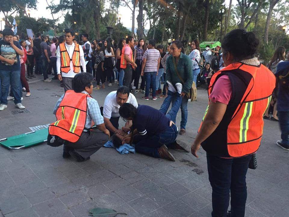 Se estrelló helicóptero que sobrevolaba los daños del terremoto