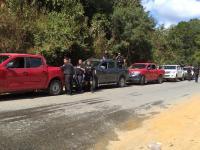 Fiscalía y policía llegan a Yaitepec para investigar sobre un doble homicidio.