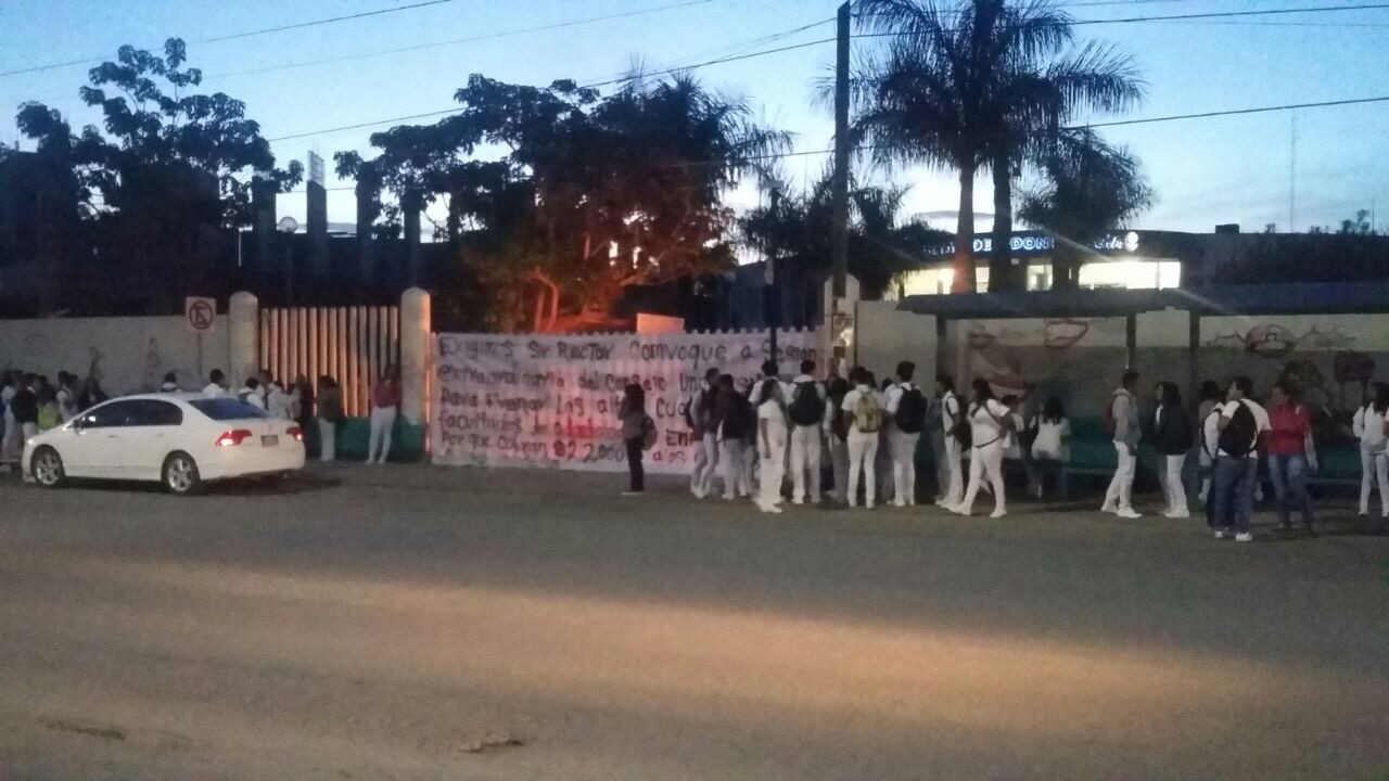 Balean a trabajador de la UABJO en Oaxaca durante toma de instalaciones
