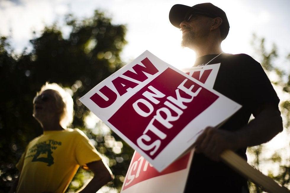Llegan a un acuerdo sindicato y GM; podría terminar la huelga